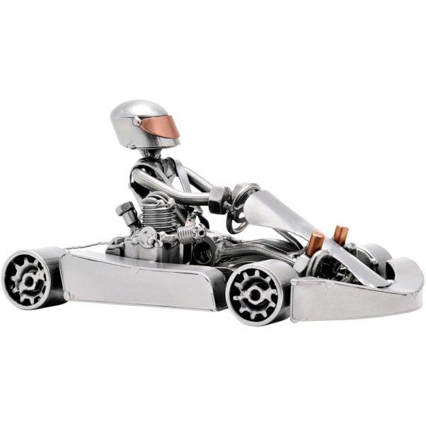 Karting-ajaja mutteriveistos
