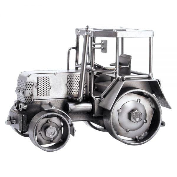 Traktori mutteriveistos